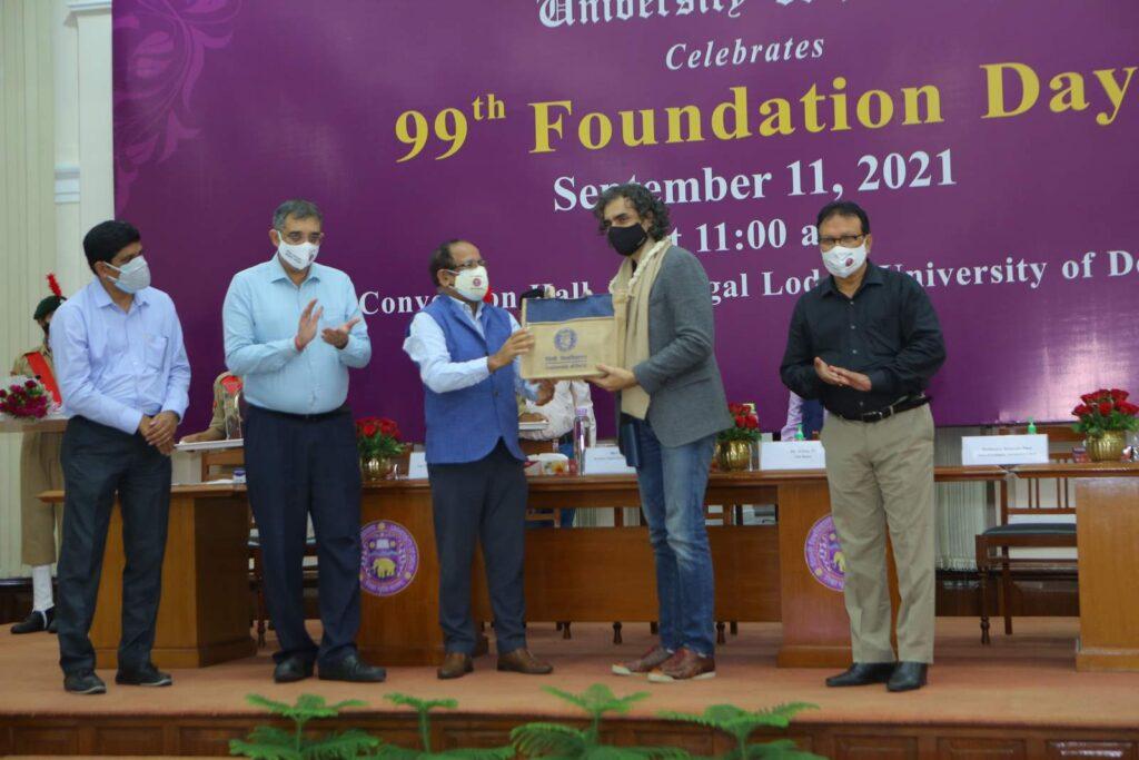 Imtiaz Ali and Amit Khare honored on DU Foundation Day